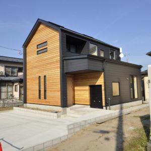 小屋裏とバイクガレージのある家 予約制完成内覧会